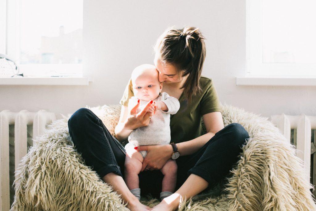 Flacher Bauch nach der Schwangerschaft - Sport mit Baby
