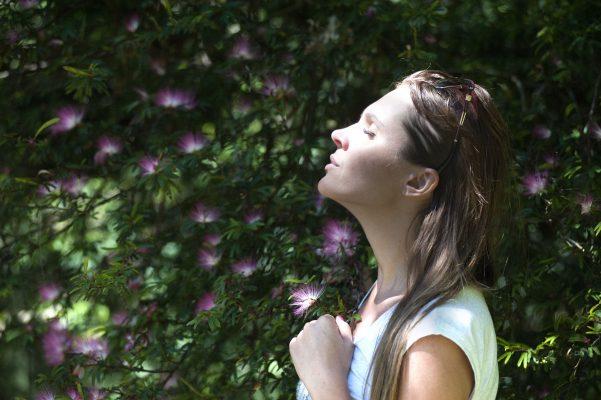 Bauch nach der Schwangerschaft weg atmen